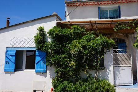 Colocation ds une Maison de village - La Fare-les-Oliviers