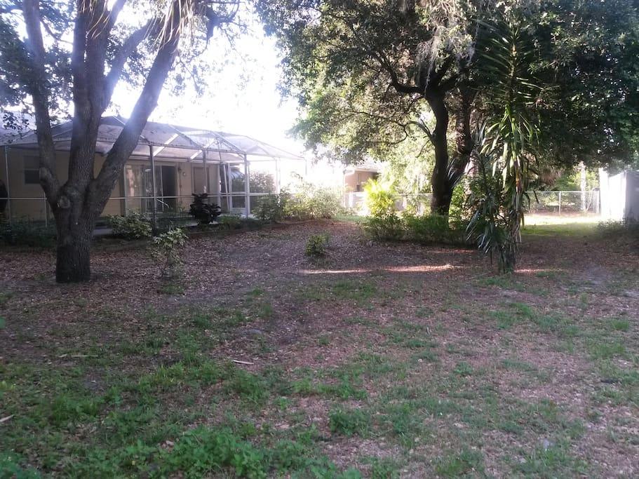 huge back yard for entertaining