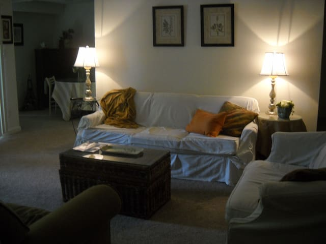 Cozy space for one or couple, 5 miles to downtown - Annapolis - Apartamento