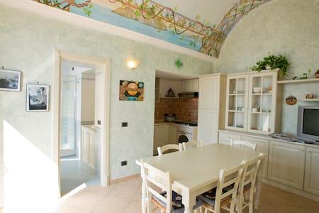 Casa flesia bianca apartment  rent - Pontone
