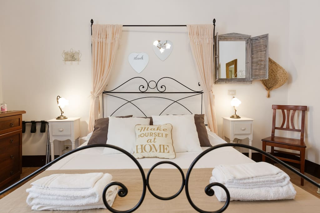 """Camera da letto matrimoniale """"RomAntica"""""""