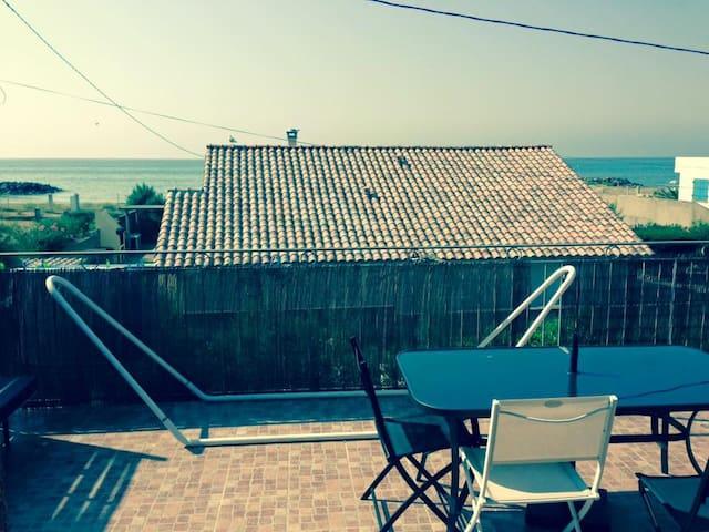 grande terrasse et plage à 100m - Frontignan - Apartamento