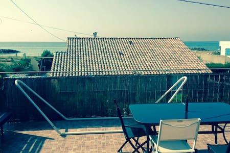grande terrasse et plage à 100m - Frontignan
