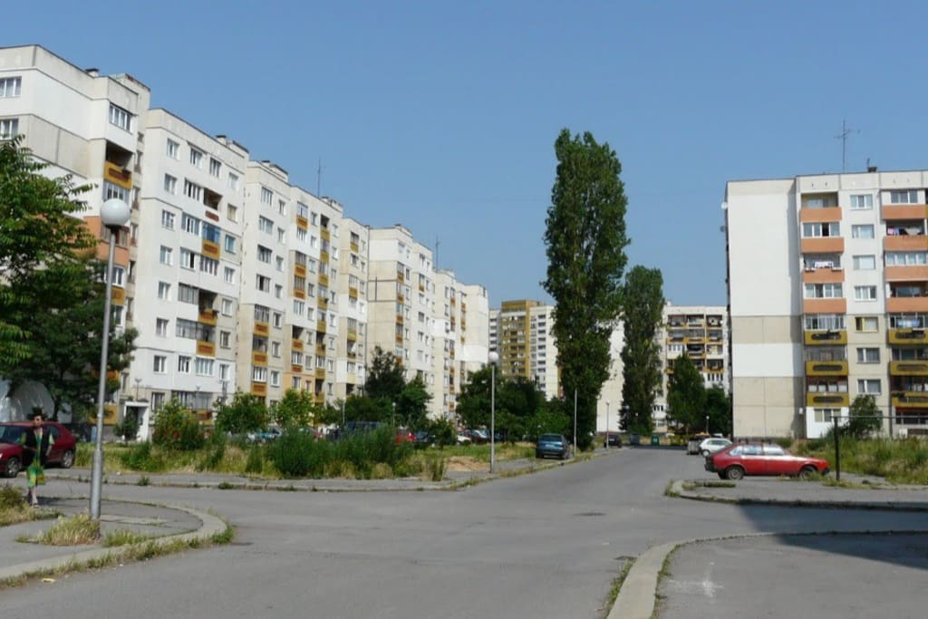 Typical view from the neighborhood. copyright: user chigot on Panoramio