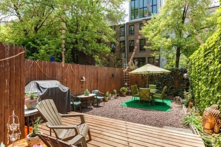 Clean bright space in the center of Hells kitchen with private outdoor space. This apartment is in the center of everything New York city has to offer and yet when you are inside it is quiet and peaceful.