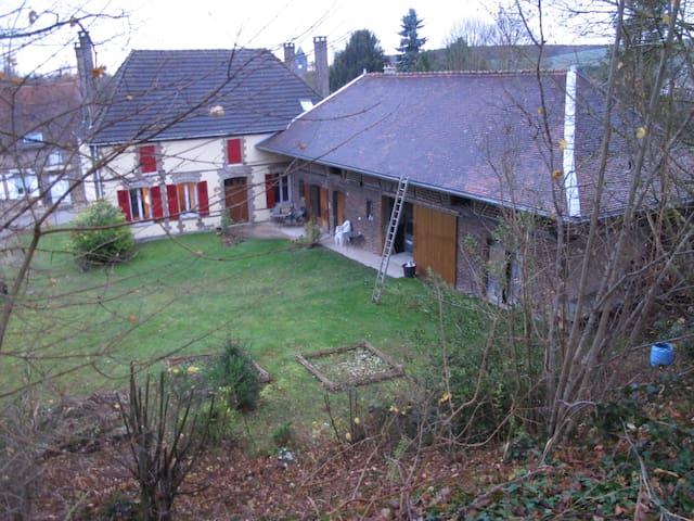 ancienne ferme rénovée - Vauchassis - Casa