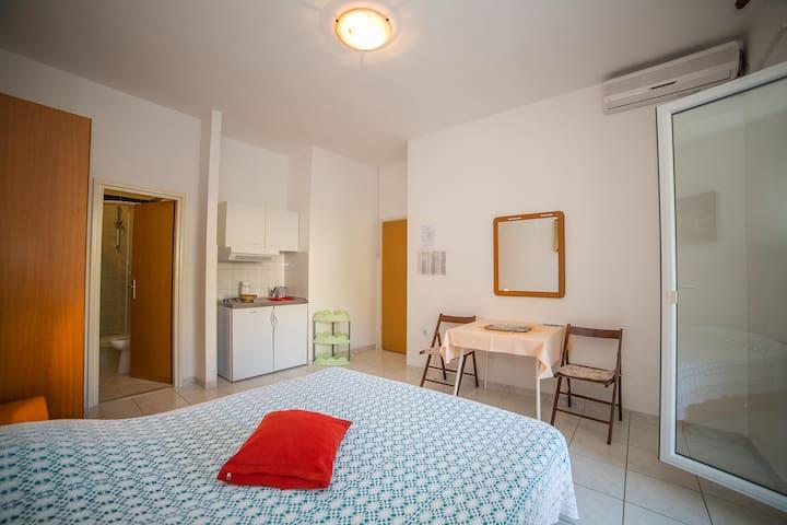 Apartments Ina / Studio A1 Floor 1