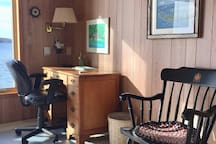 Desk/wifi/phone