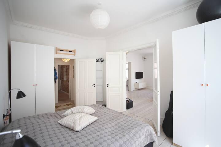 Bedroom (180 cm)