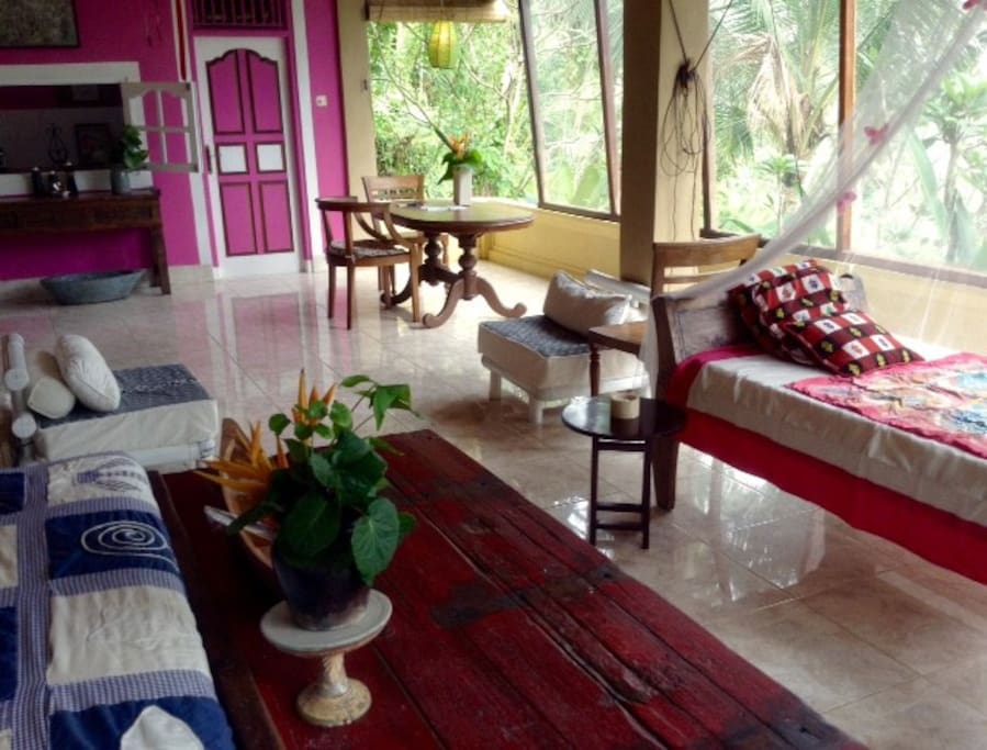 THE TREE TOP LOFT offers amazing views over the jungle and Ayung River valley. Enjoy the Day bed and relax