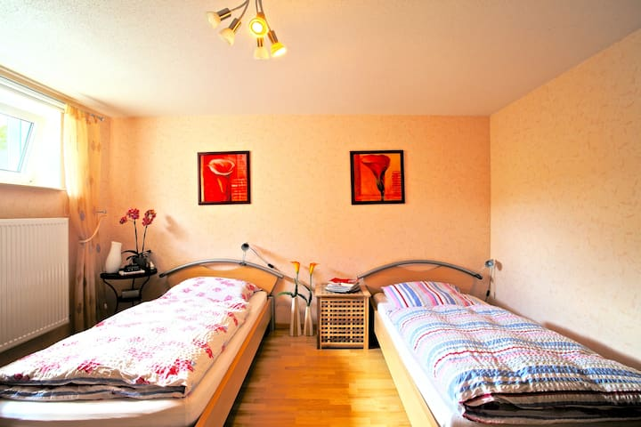 ID 4627 | Twin room with bathroom wifi - Sarstedt - Hus