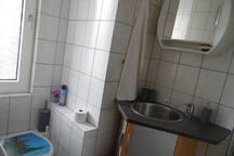 Hier das Fenster Duschbad
