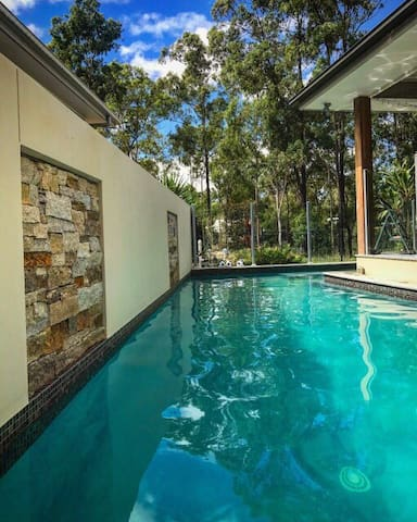 Golf course home close to Brisbane and Gold Coast