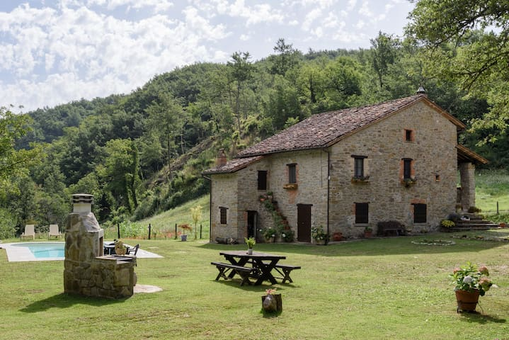 Forest Cottage between Umbria & Tuscany