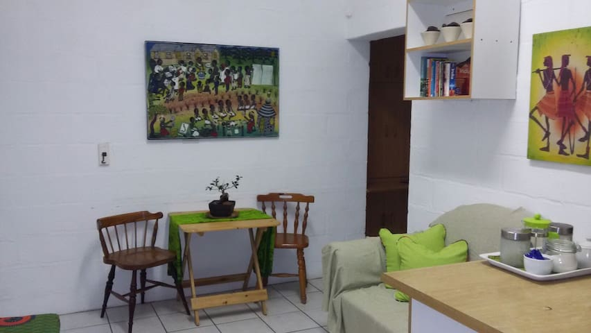 Cozy cottage in relaxed environment - Bluff - Appartement