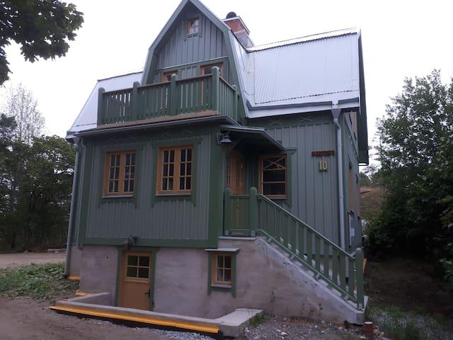 Nice wooden house central Södertälje / Stockholm.