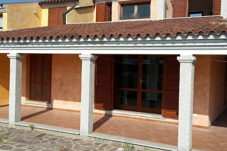 Trilo vista mare a Baia Sant'Anna - Baia Sant'Anna
