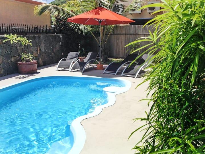 Appartement avec piscine partagée