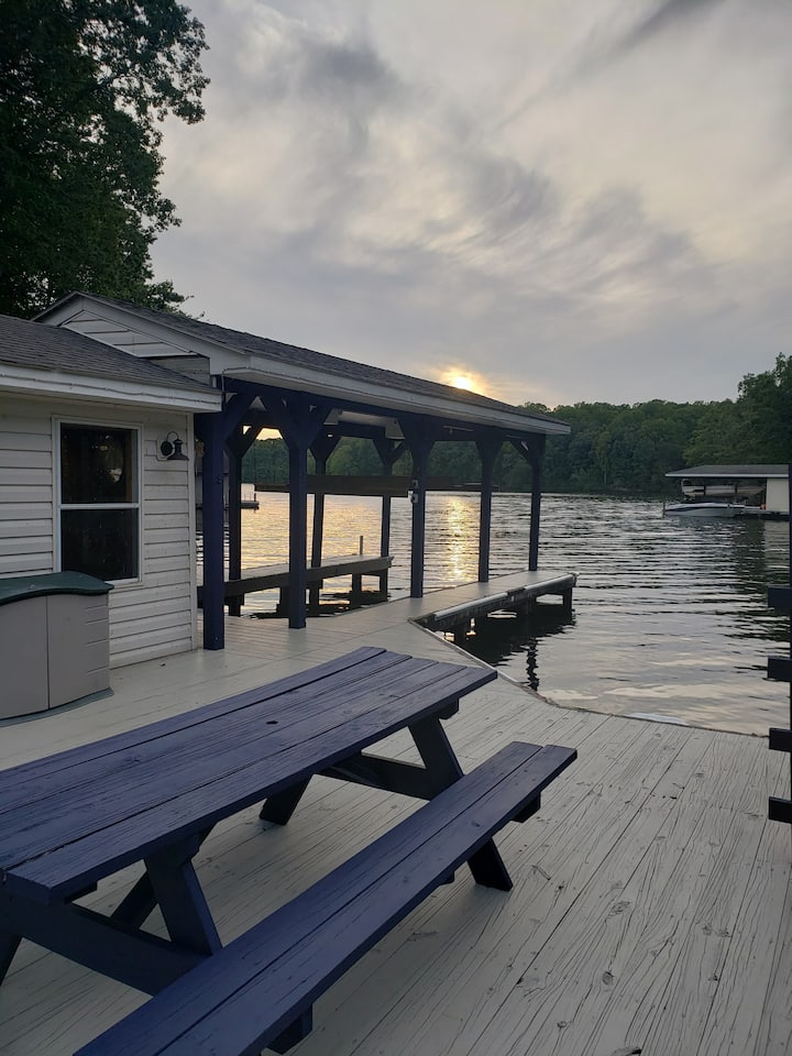 Lakeside Landing - Waterfront Lake Anna with Pool