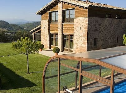 Rural house with pool, 4 rooms near Barcelona - Cardona - Huis