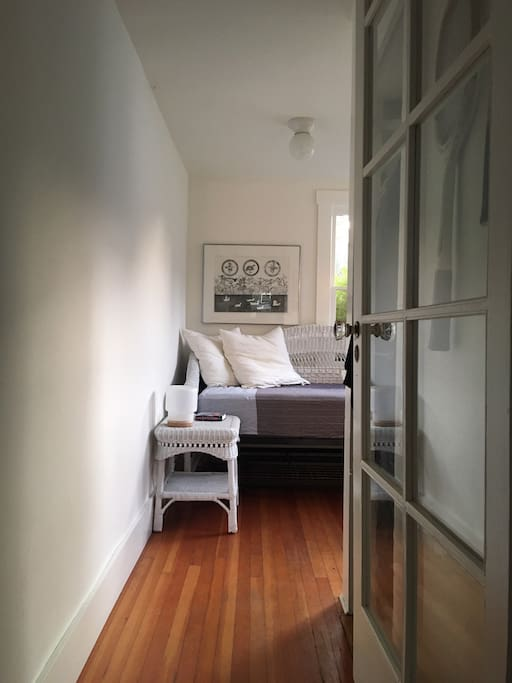 Second bedroom with twin daybed.