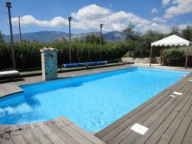 Beach, private pool & mountain! - Civitella Casanova - Hus