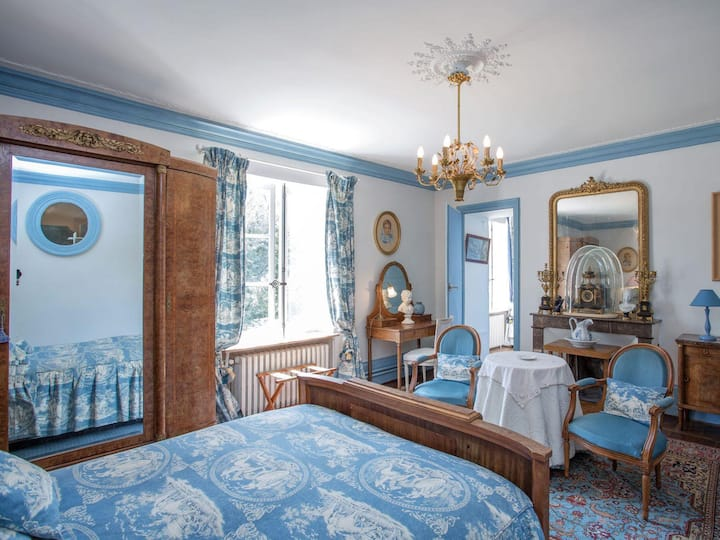Suite-Connected-Private Bathroom-Garden View-George Sand