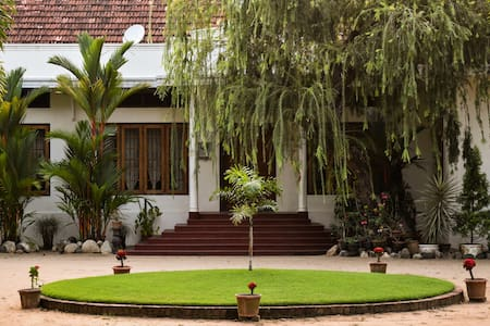 Silvermoon Heritage Homestay - Vypin - Bed & Breakfast