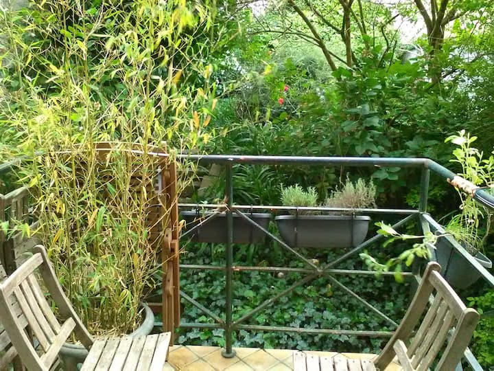 apartment & balcony-garden view-XL/uccle/St Gilles