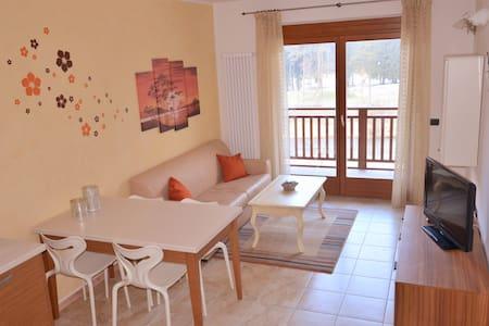 Bilocale curato a Comano Terme - Comano Terme - 公寓