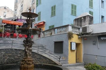 F1 confort, plein centre ville - Corte - Apartment