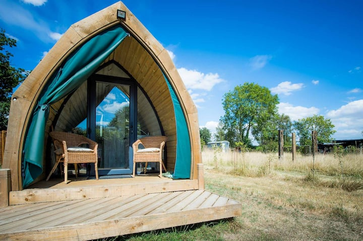 Glamping Pod 'Freddie' - warm and relaxing, cosy