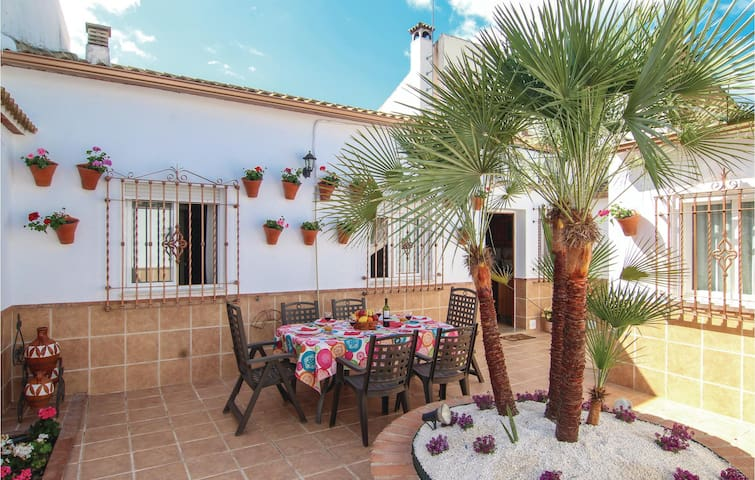 Terraced house with 3 bedrooms on 109m² in Córdoba