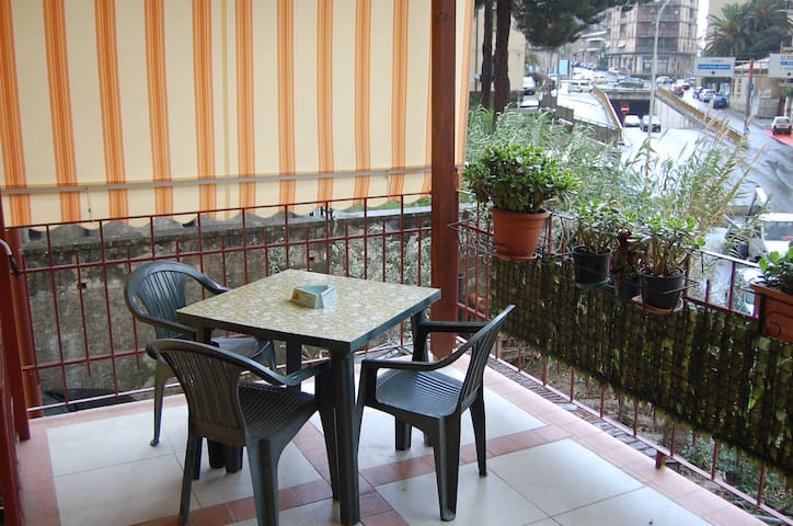 casa vacanze PIAZZA EUROPA - Cosenza - บ้าน
