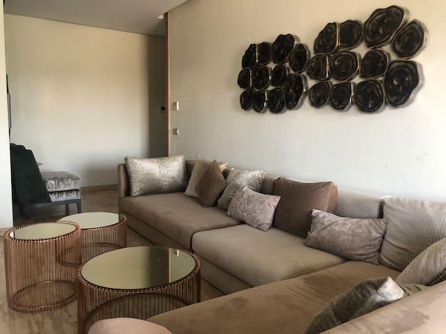 Stunning 2 Bedroom in the Heart of Casablanca