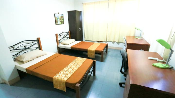 Guest house in Cebu w/WiFi (double-roomA)