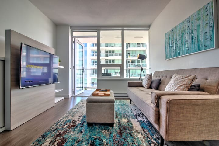2019 Built New Waterfront Modern Condo by skytrain