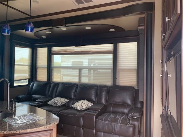 Glamping in style with a Woody RV!!
