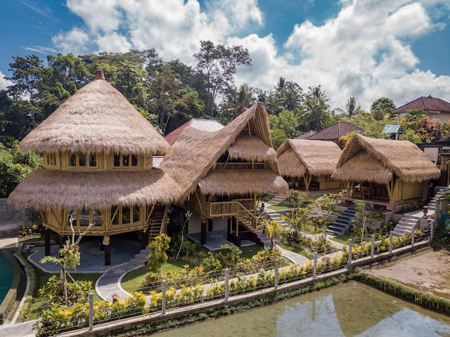 Unique Bamboo Bungalow with Pool in Ubud