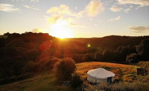 Beautiful 6m yurt - stunning views across valley