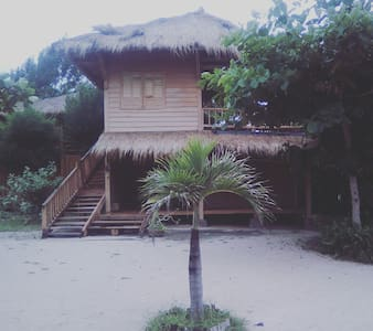 #1 Beach Front with 02 BD Bungalow - lombok - 一軒家