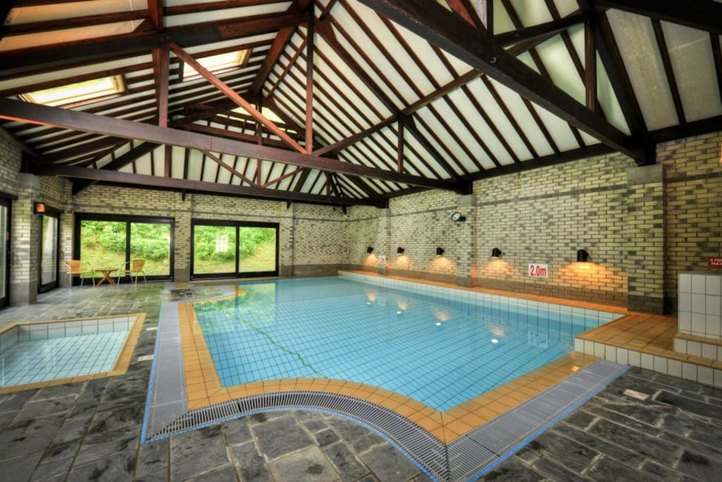 Shared heated indoor pool with toddler pool and hot tub