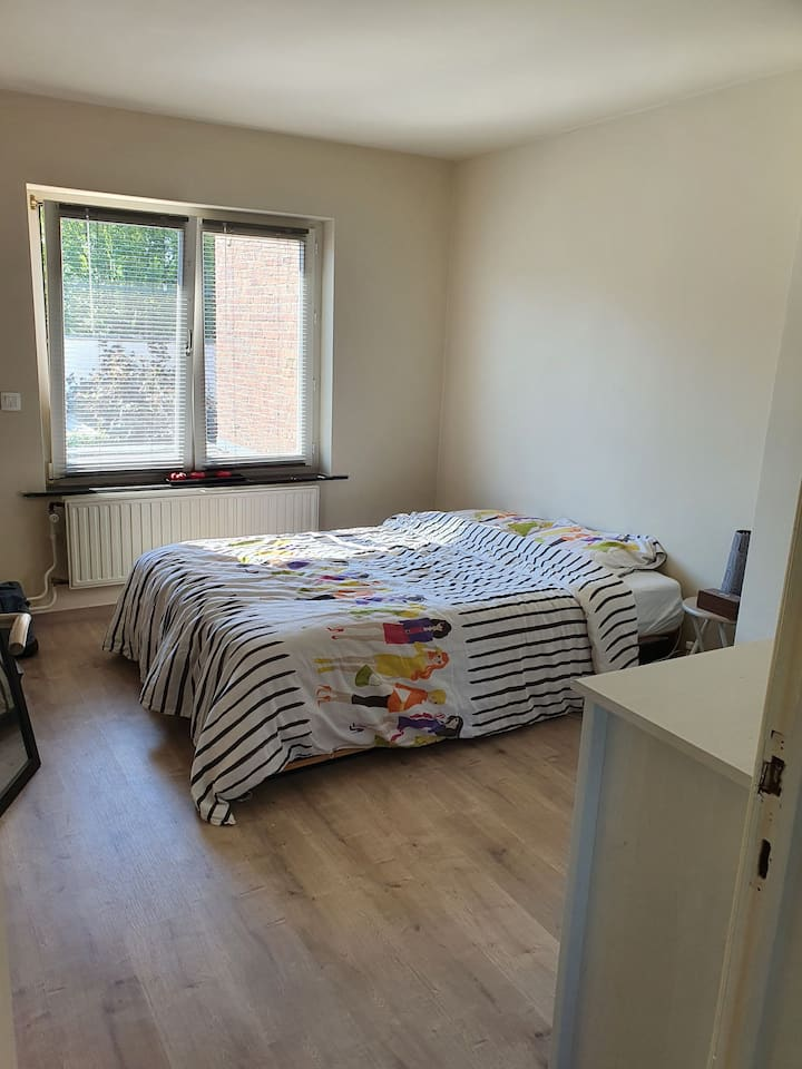 Cozy private double room in Ghent