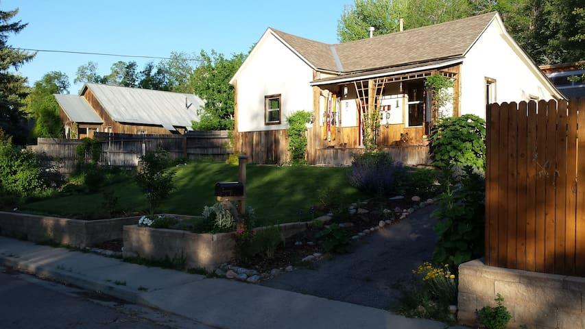 Delightful Cottage - Durango - Haus