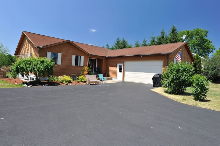 New Listing - Syracuse/Skaneateles Area Retreat - Marcellus