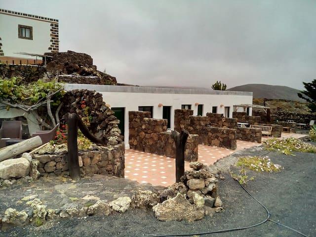 Apartamento Hobbit mar y Vulcano I - Haría, Canarias, ES - Apartment