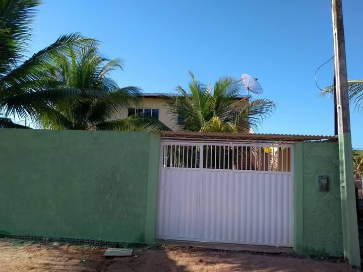 Casa de primeiro andar a 400 M da praia em Peroba