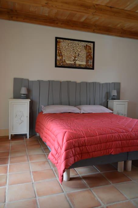 la chambre lit en 180