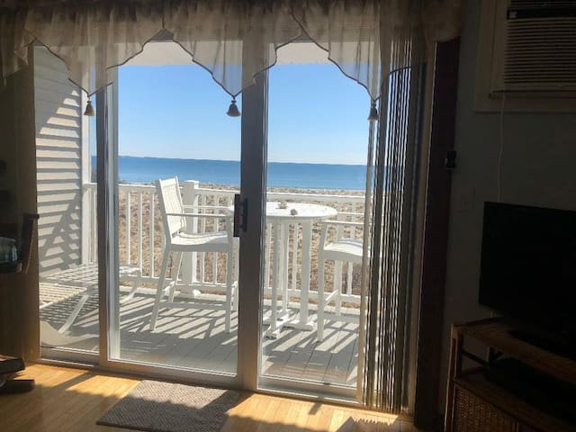Ocean Front Condo~Private Balcony~Awesome Views!