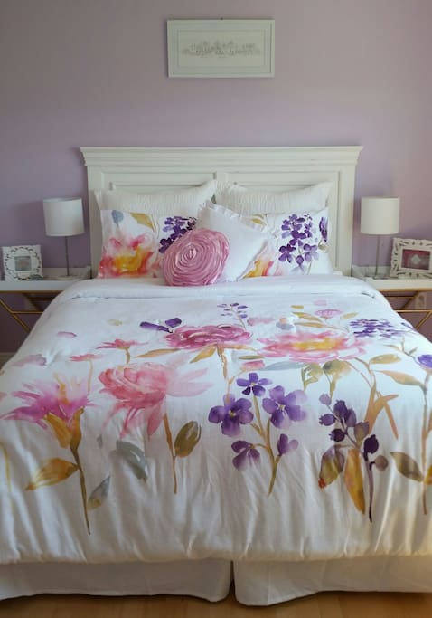 Brand new pillowtop bed and soft cotton bedlinens